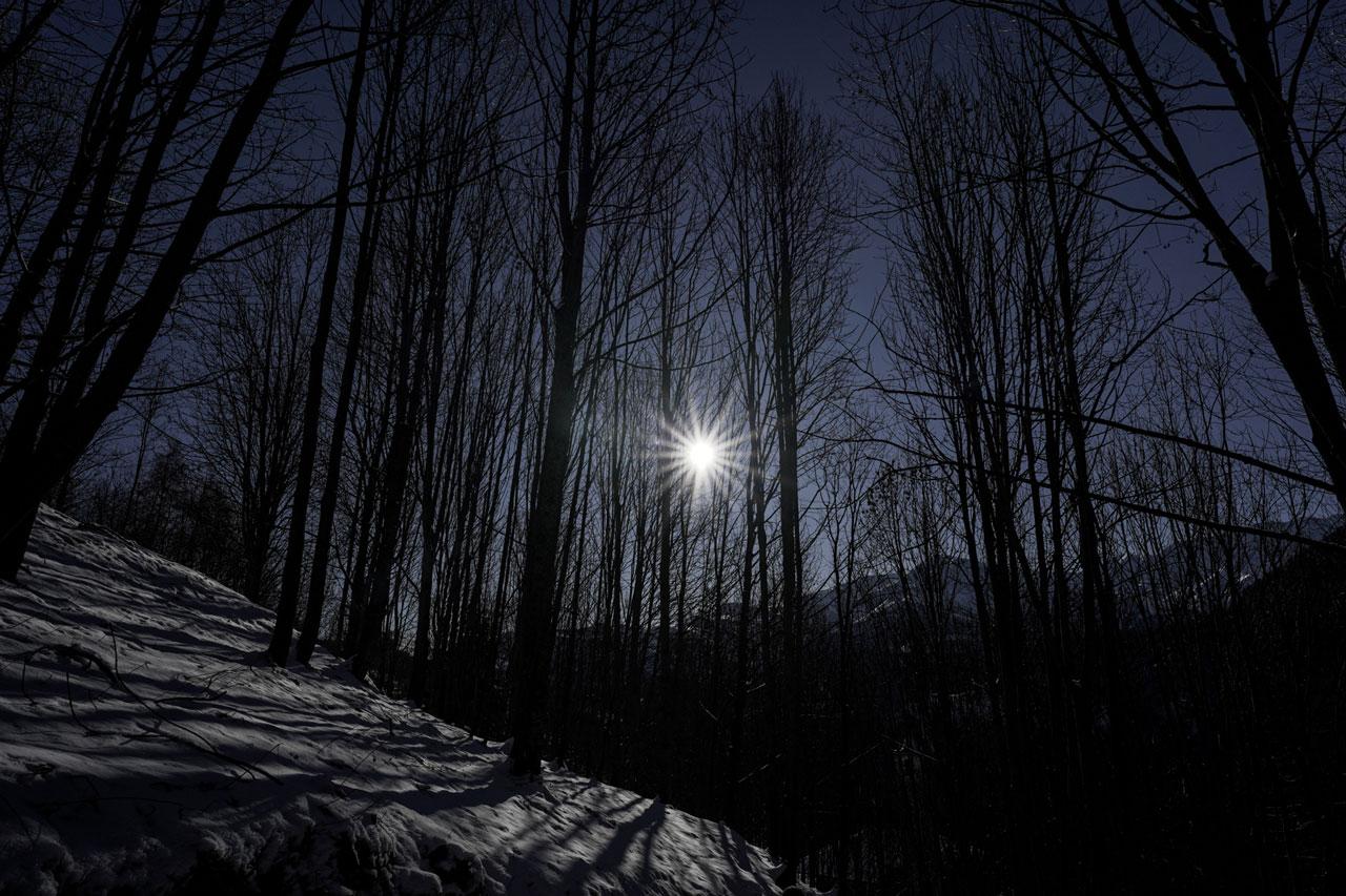 La montagna di Ostana in notturna